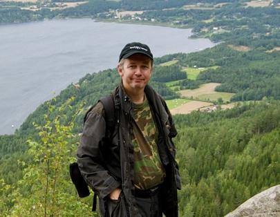 PÅ POST. Morten Møst, her ved Mørkgånga på Krokskogen, er grunnlegger av Kjentmannsmerkets venner.
