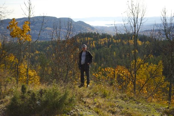 HØSTPROSPEKT betraktet fra Vensåskollame i Lommedalen. Foto: Fr. VESLE-BERNHARD