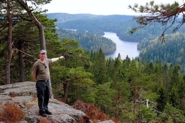 På Tonekollens topp med utsikt mot Måsjøen, sommeren 2013. Foto: Fr. VESLE-BERNHARD