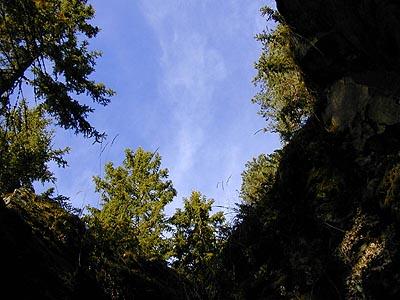Ved de gamle gruver kjent som Hagaskjerpene. Foto: VESLE-BERNHARD